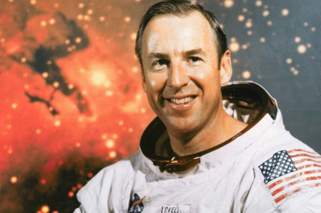 jim-lovell-commanded-apollo-13-pic-corbis-257047798