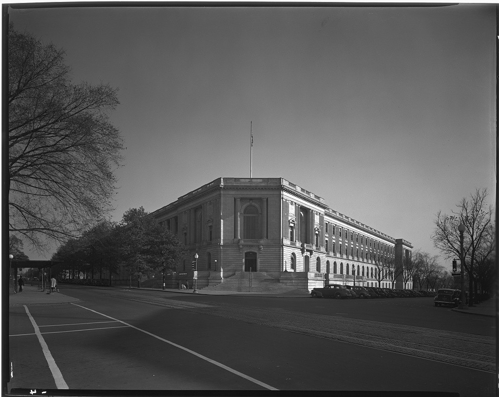 Cannon House Office Building (LOC Image # LC-H824- 1144-004)