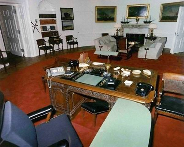 1963 Oval Office Renovation (Image: Kennedy Library/Viewed on www.whitehousemuseum.org)